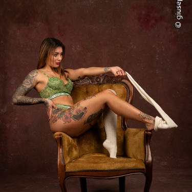 """Arianna Pazienza - """"Green lingerie (or nothing)"""" ♫"""