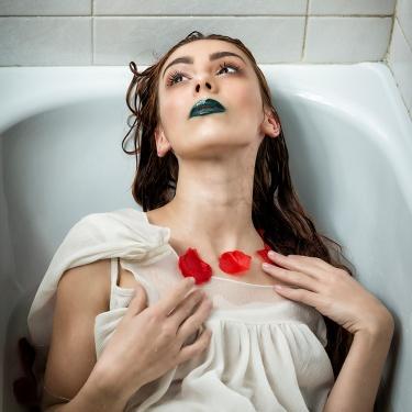 """Elena Faccio - """"Love frozen to death"""" ♫"""