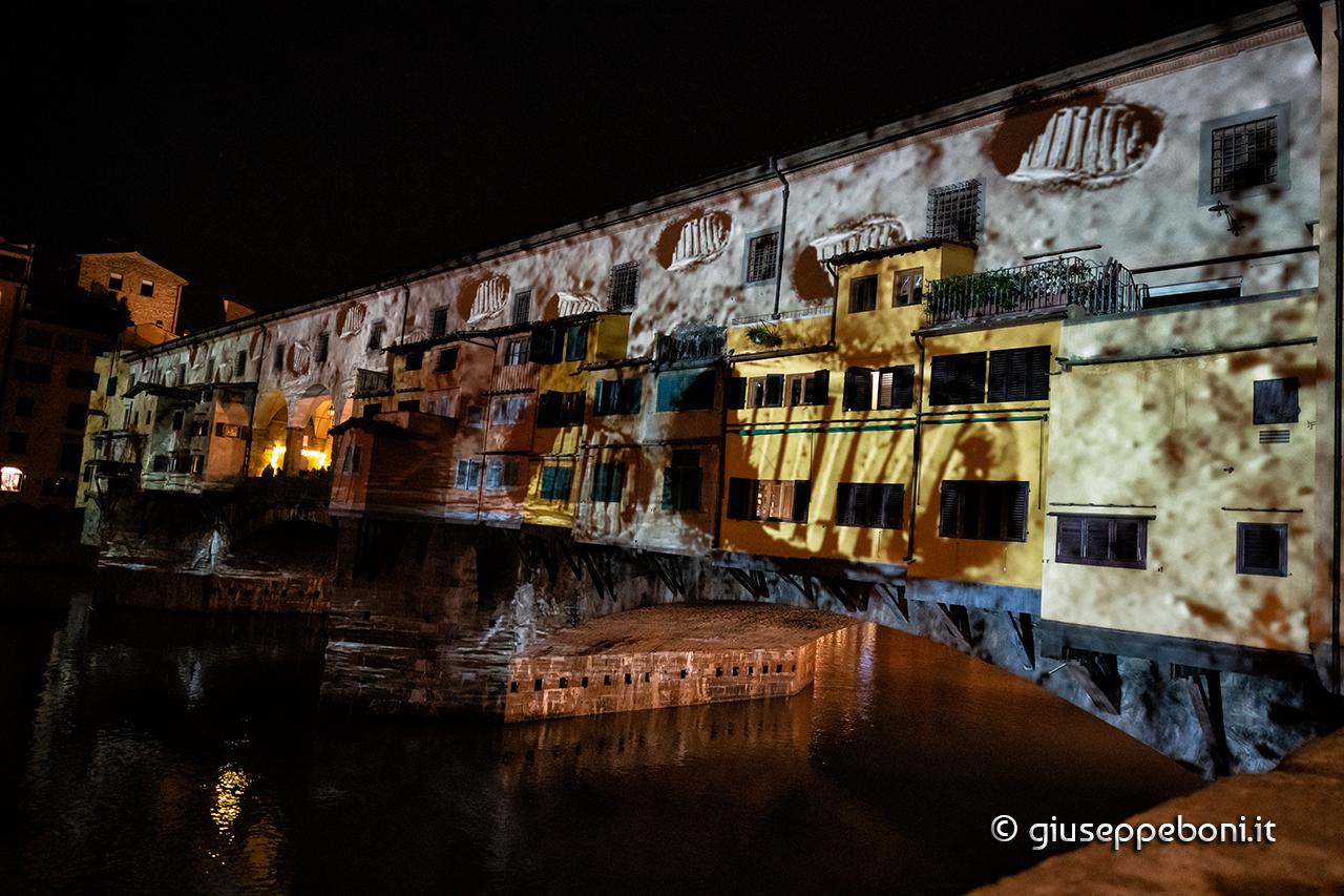"""Firenze: """"F-Light"""" su Ponte Vecchio"""